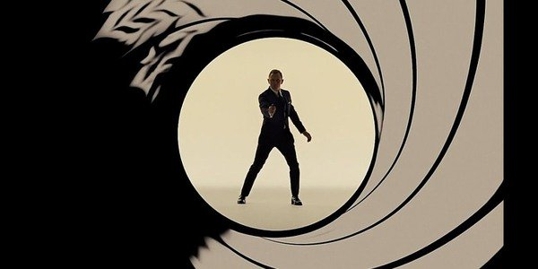 James Bond 007 Logo Daniel Craig